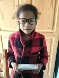 Die Brille passt. Endlich richtig sehen und Lesen. Hilfe für Madagaskar.